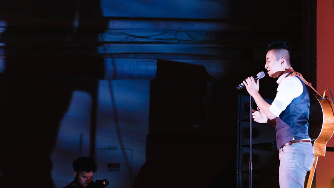 Jae Jin performing