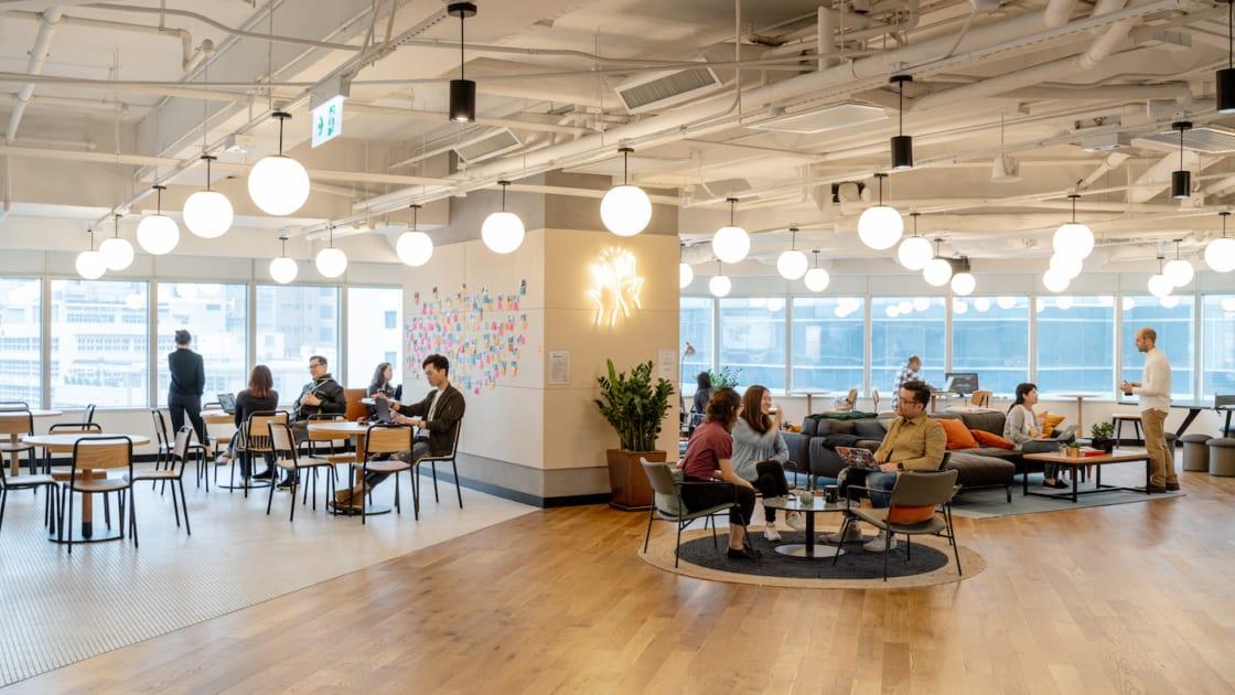 eXellerator Lab do Standard Chartered em Hong Kong. Imagens de Seth Powers