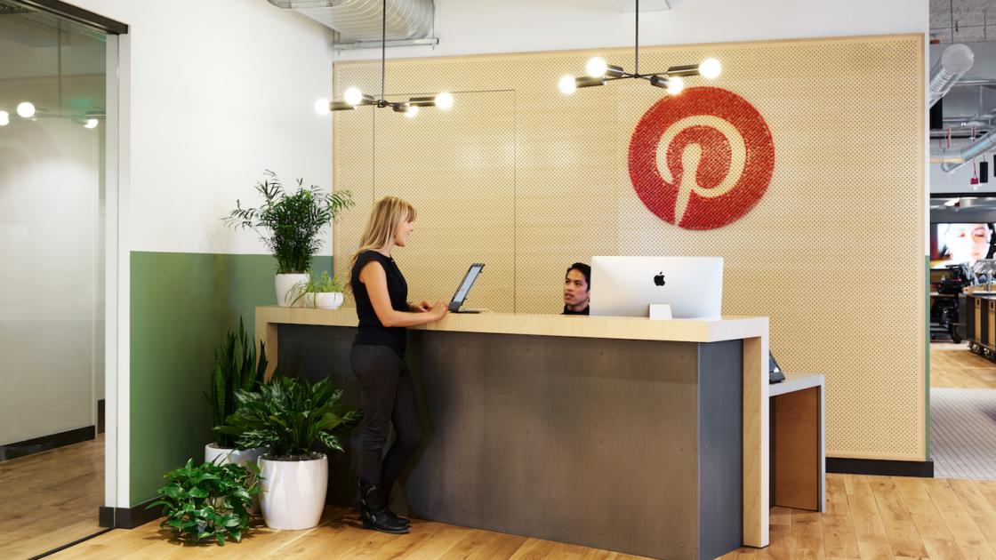 สำนักงาน Pinterest ที่ WeWork Denny Triangle ถ่ายภาพโดย Kevin Scott